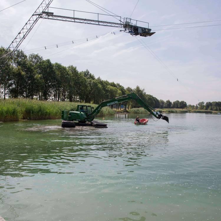 moeraskraan swamp excavator