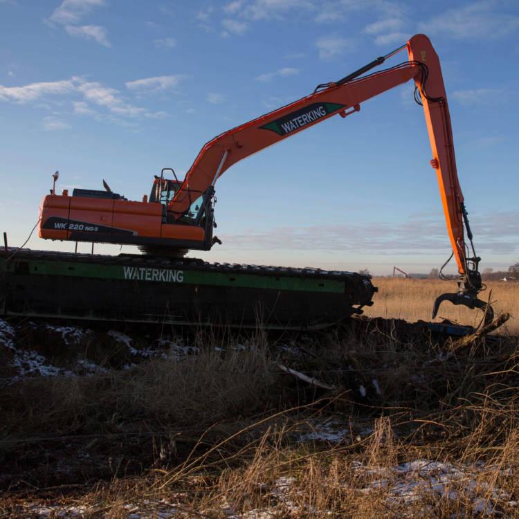 swamp excavator
