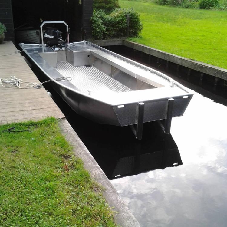 Aluminium workboat