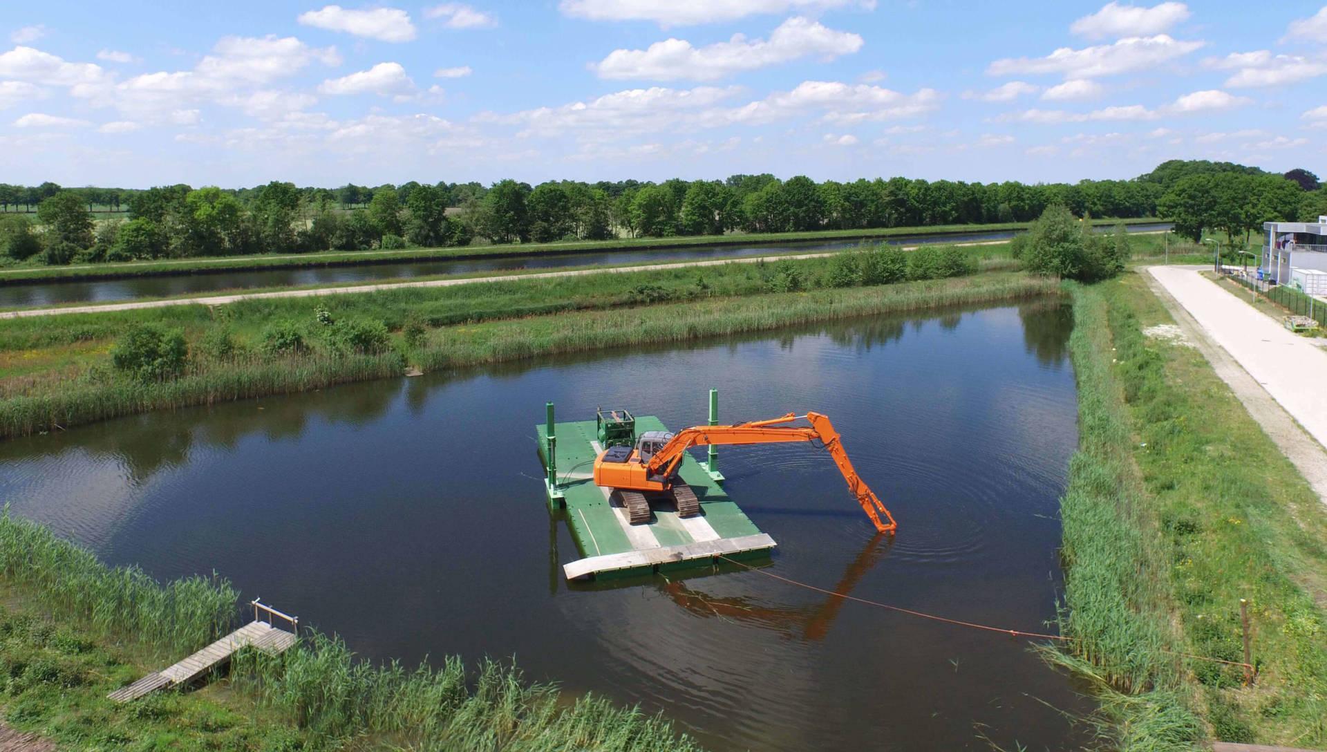 floating platform pontoon